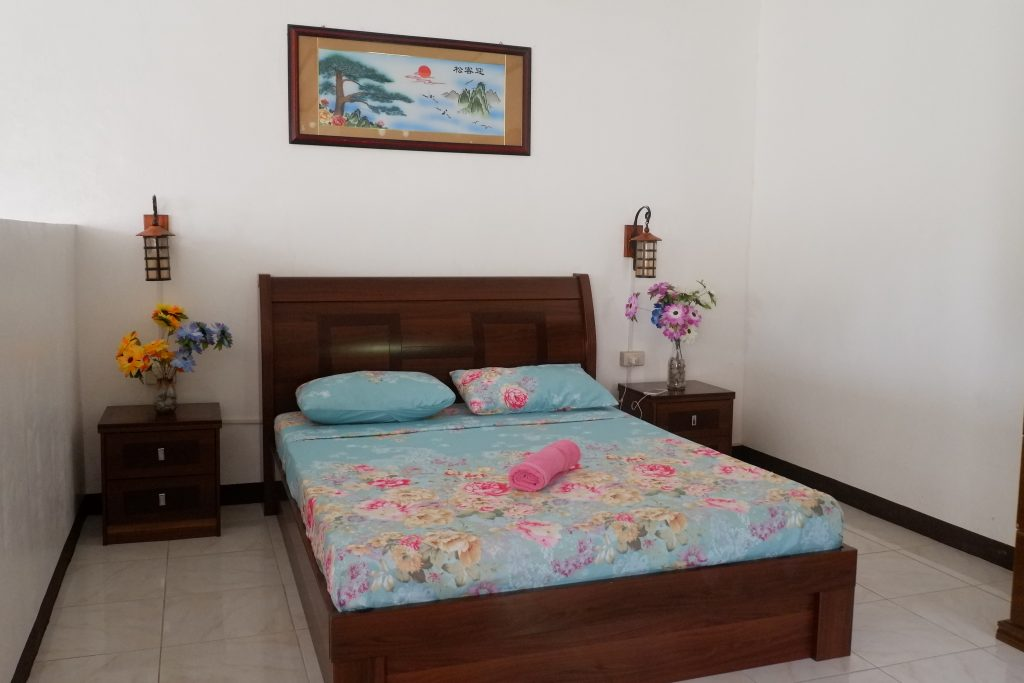 """ALT=""""mahogany upland resort dauin bedroom"""""""