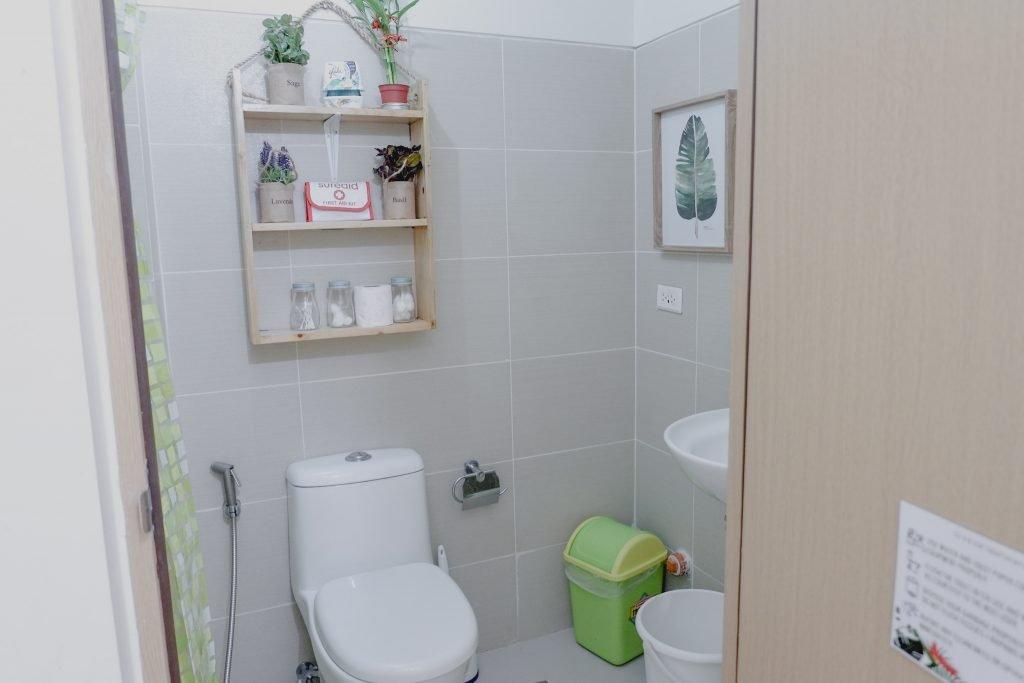 "ALT=""the bathroom area sea and leaf tagaytay"""