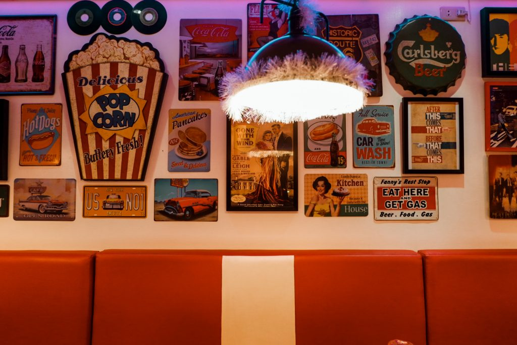 "ALT=""7twenty7 american diner a retro style restaurant"""