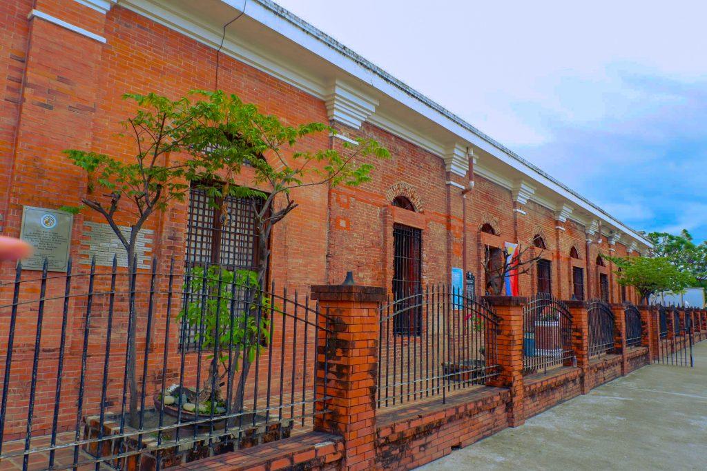"ALT=""old train station san fernando pampanga"""