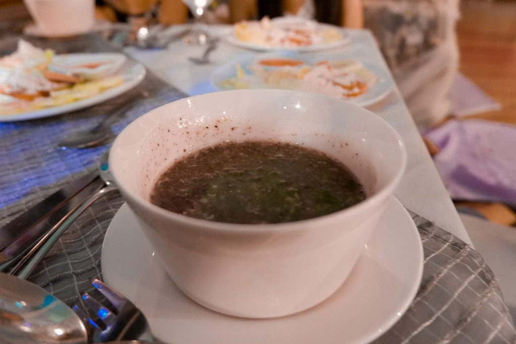 """ALT=""""the healthy green soup being served at mons restaurant"""""""