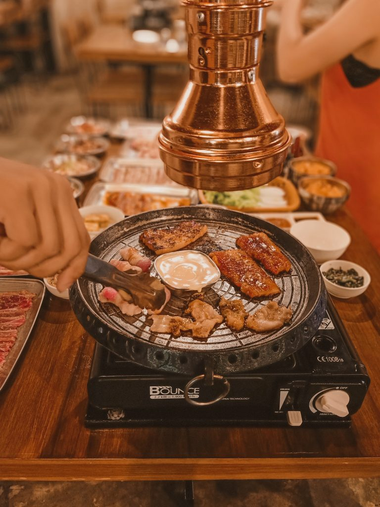 """ALT=""""hyeong won restaurant and the usda korean meat and unlimited rice"""""""