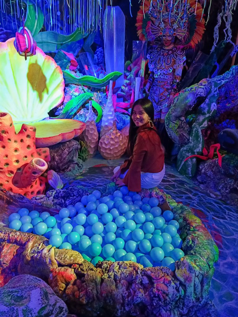 "ALT=""replica of philippine marine biodiversity inside museum"""