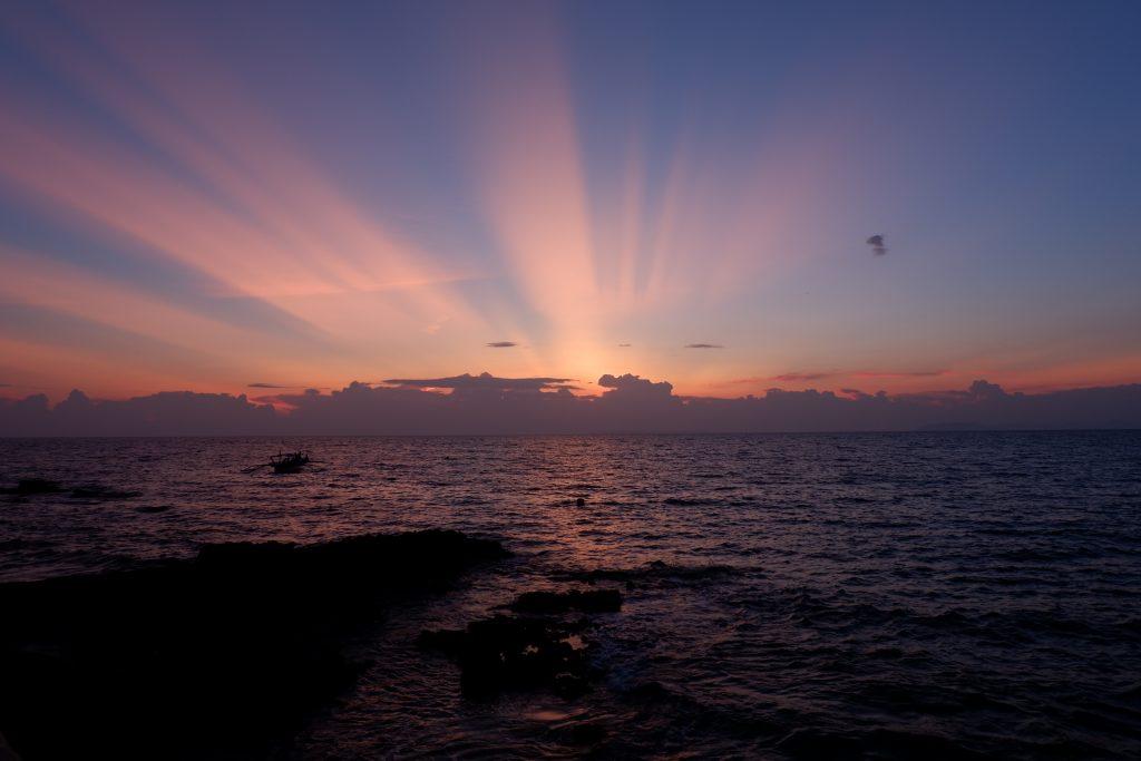 "ALT=""batangas philippines sunset view"""