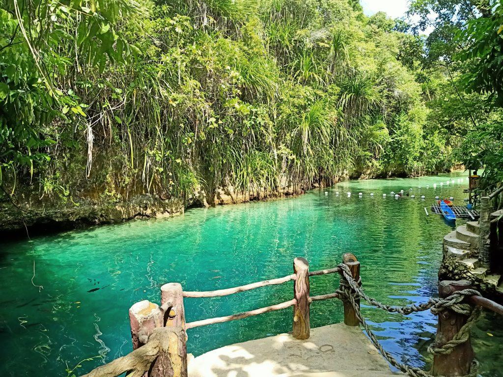 """ALT=""""enchanted river surigao del sur"""""""